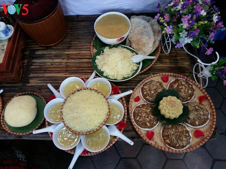Festival honors steamed sticky rice tradition in Phu Gia - ảnh 3