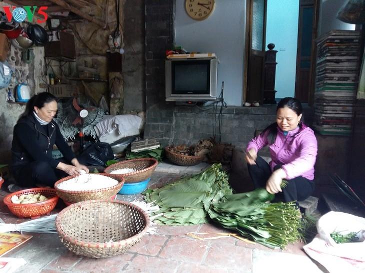 Dam village makes Chung cake, cassava vermicelli  - ảnh 2