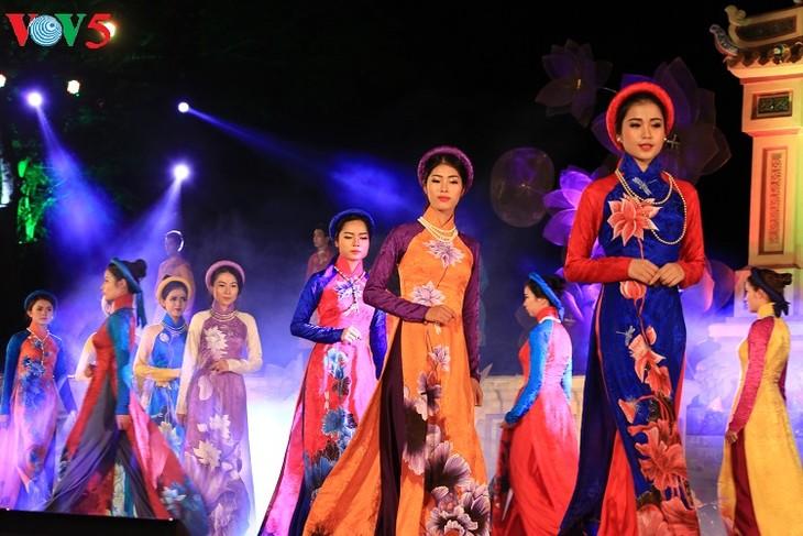 Ao Dai fashion show, highlight of Hue Festival 2018 - ảnh 1