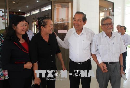 Deputy PM Truong Hoa Binh meets voters in Long An - ảnh 1