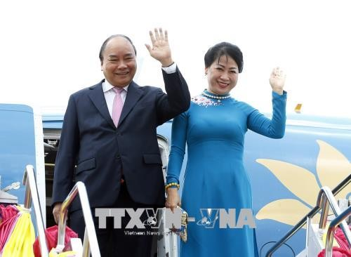 PM Nguyen Xuan Phuc arrives in Bangkok for ACMECS 8, CLMV 9 - ảnh 1