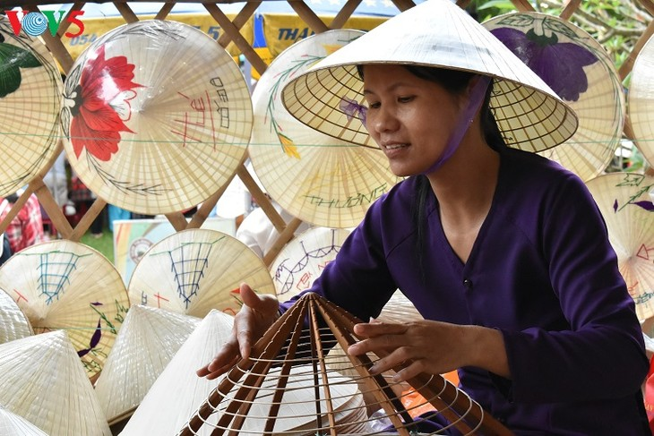 Thua Thien Hue's craft villages develop tourism  - ảnh 1