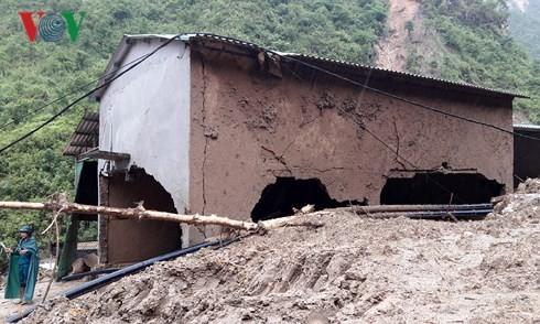 Flash floods ravage northern mountainous provinces  - ảnh 2
