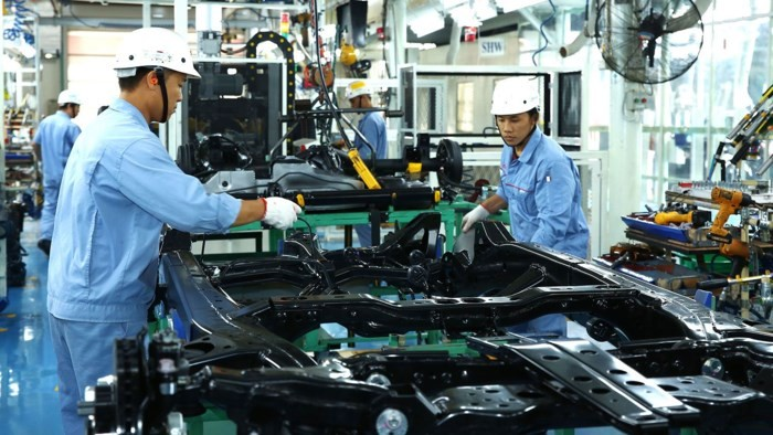 Vietnam attracts 20 billion USD of FDI in first half - ảnh 1
