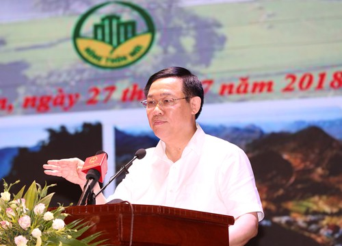 Disadvantaged hamlets supported to reduce poverty  - ảnh 1
