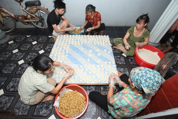 Banh giay Quan Ganh, a specialty of Hanoi  - ảnh 2