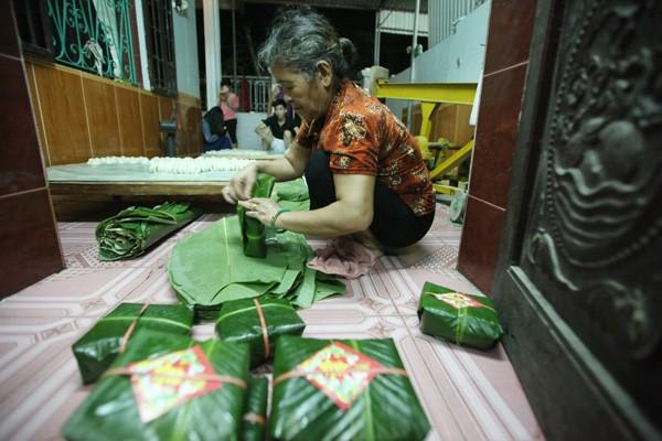 Banh giay Quan Ganh, a specialty of Hanoi  - ảnh 3