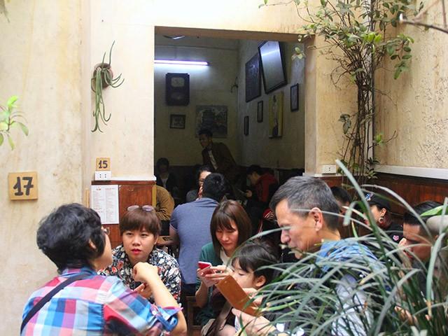 Cafe Giảng nườm nượp khách sau Hội nghị Thượng đỉnh Mỹ - Triều - ảnh 5