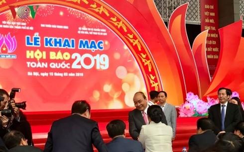 Thủ tướng đánh trống khai mạc Hội Báo toàn quốc 2019 tại Hà Nội - ảnh 4