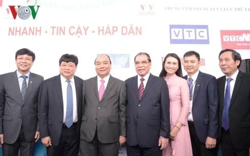 Thủ tướng đánh trống khai mạc Hội Báo toàn quốc 2019 tại Hà Nội - ảnh 8