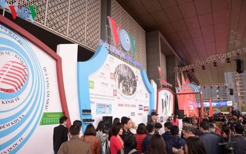 Thủ tướng đánh trống khai mạc Hội Báo toàn quốc 2019 tại Hà Nội - ảnh 11