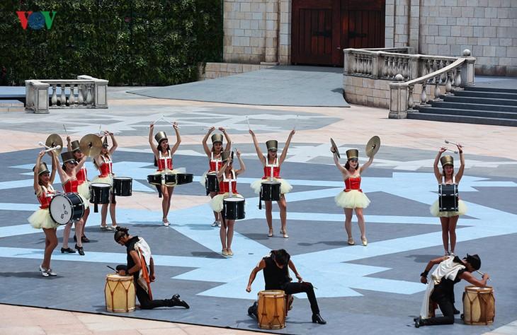 Vũ hội Ánh dương: Show diễn đẳng cấp quốc tế đầu tiên tại Đà Nẵng - ảnh 1
