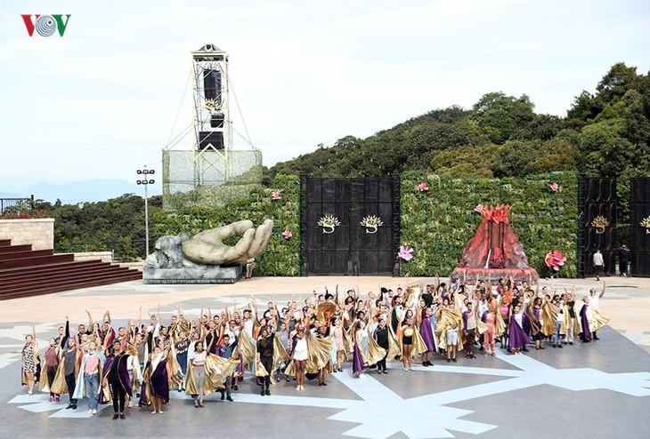 Vũ hội Ánh dương: Show diễn đẳng cấp quốc tế đầu tiên tại Đà Nẵng - ảnh 24