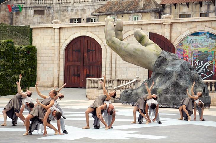Vũ hội Ánh dương: Show diễn đẳng cấp quốc tế đầu tiên tại Đà Nẵng - ảnh 6