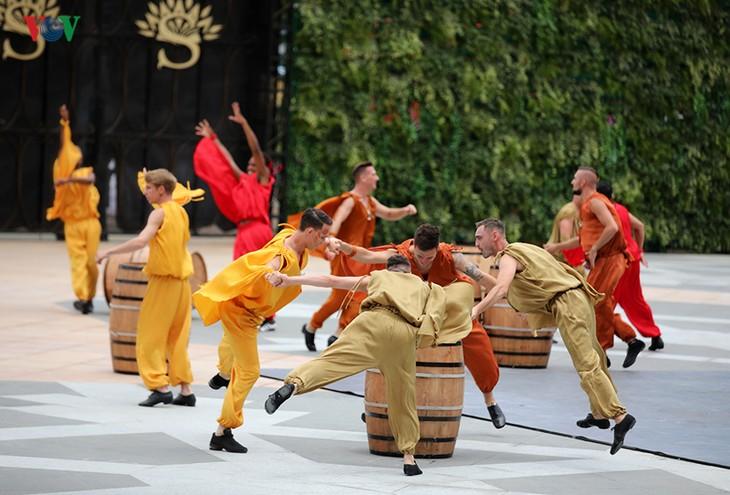 Vũ hội Ánh dương: Show diễn đẳng cấp quốc tế đầu tiên tại Đà Nẵng - ảnh 7