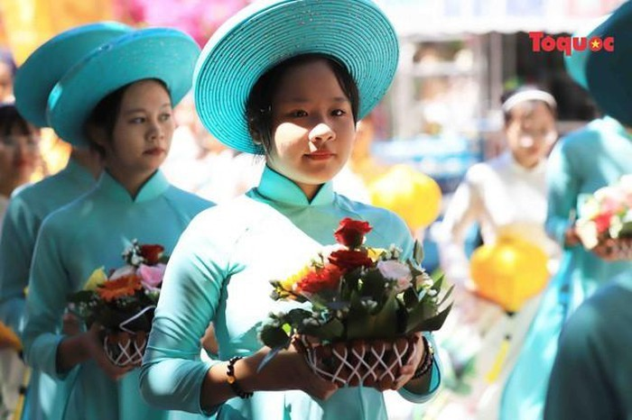 All Souls' Day festival  in Danang's Marble Mountain relic site - ảnh 4