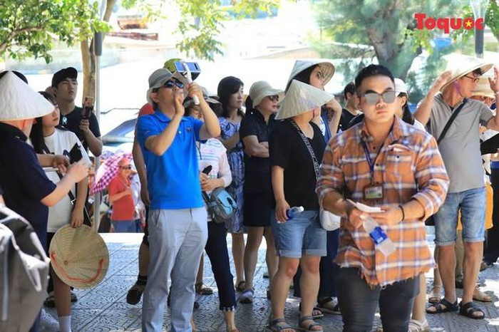 All Souls' Day festival  in Danang's Marble Mountain relic site - ảnh 16