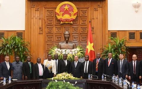 Vietnam-Tanzanie: porter à 1 milliard de dollars la valeur des échanges commerciaux  - ảnh 1
