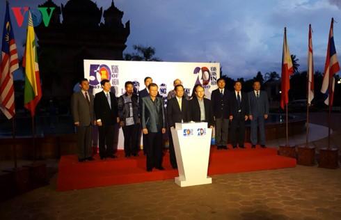 Le 50ème anniversaire de l'ASEAN célébré dans différents pays - ảnh 3