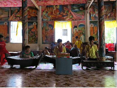 La musique traditionnelle à la pagode Doi - ảnh 1