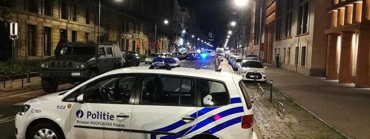 """Bruxelles : deux militaires visés par une """"attaque terroriste"""" au couteau, leur agresseur abattu - ảnh 1"""