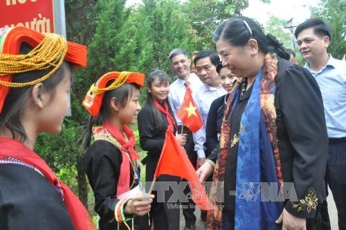 Tong Thi Phong en déplacement à Lang Son - ảnh 2