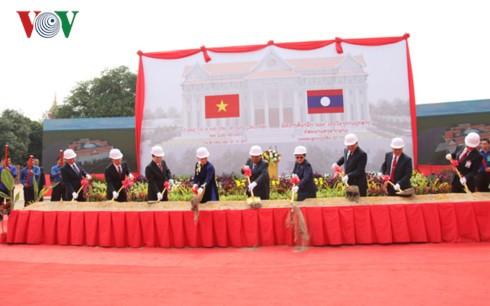 Pose de la première pierre de l'Assemblée nationale du Laos - ảnh 1