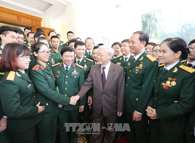 Nguyen Phu Trong encourage les jeunes militaires - ảnh 1