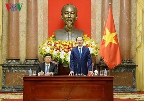Le Vietnam aux côtés des enfants démunis - ảnh 1