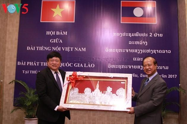 La VOV intensifie sa coopération avec la radio nationale du Laos - ảnh 2