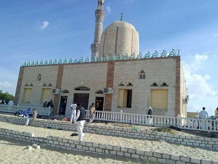 Egypte: au moins 235 morts dans un attentat dans le Sinaï - ảnh 1