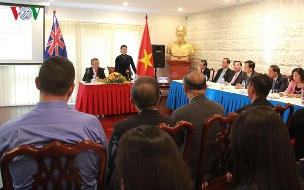 Nguyen Thi Kim Ngan se rend à l'ambassade vietnamienne en Australie - ảnh 1