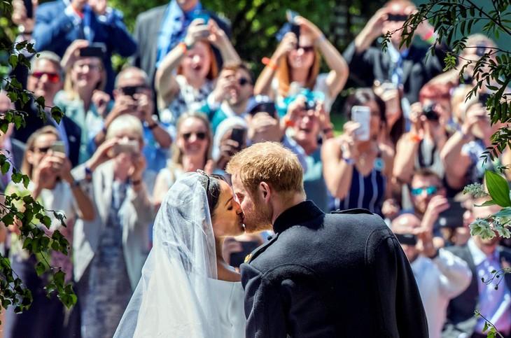 Mariage princier: une cérémonie moderne et ensoleillée pour Harry et Meghan - ảnh 1