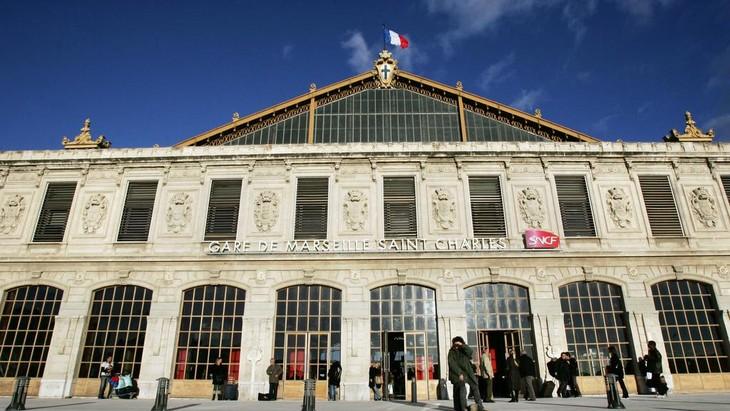 Marseille: la gare Saint-Charles évacuée, un homme toujours en garde à vue - ảnh 1