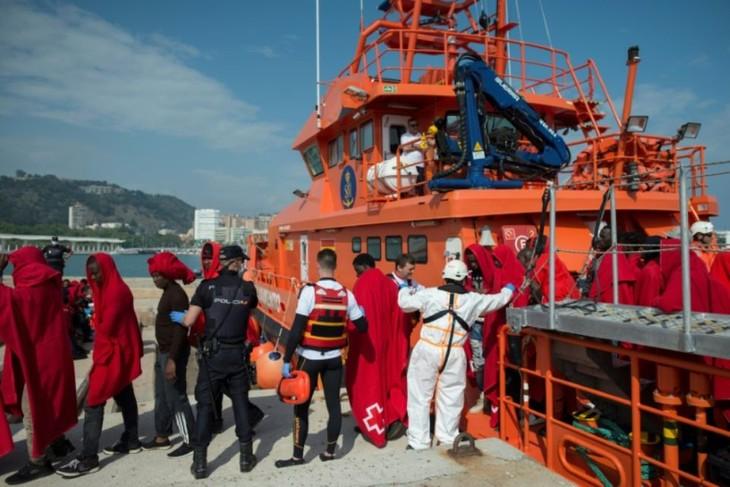 Espagne: 408 migrants secourus en Méditerranée durant le week-end - ảnh 1