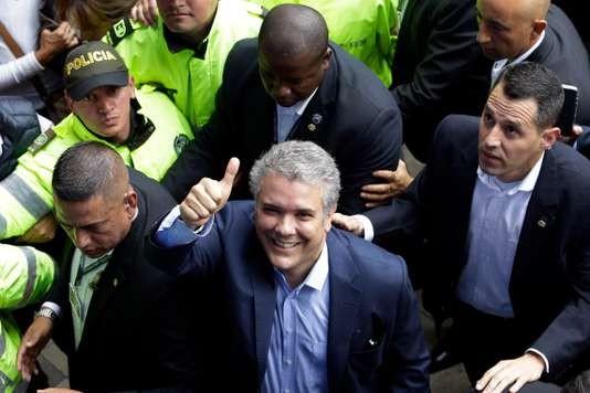 La droite en tête de la présidentielle en Colombie, un second tour en vue - ảnh 1