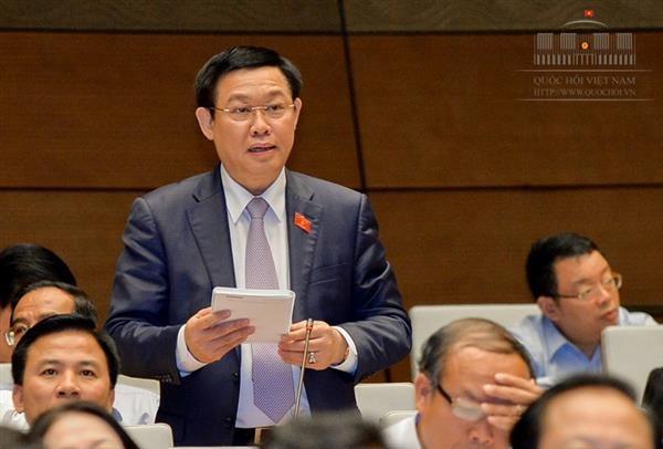 Phùng Xuân Nha et Vuong Dinh Huê répondent aux questions des députés - ảnh 1
