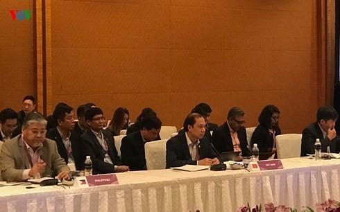Nguyên Quốc Dung à la conférence des hauts officiels de l'ASEAN à Singapour - ảnh 1
