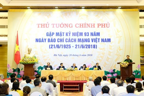 Nguyên Xuân Phuc salue le rôle de la presse dans l'édification et la défense nationales - ảnh 1