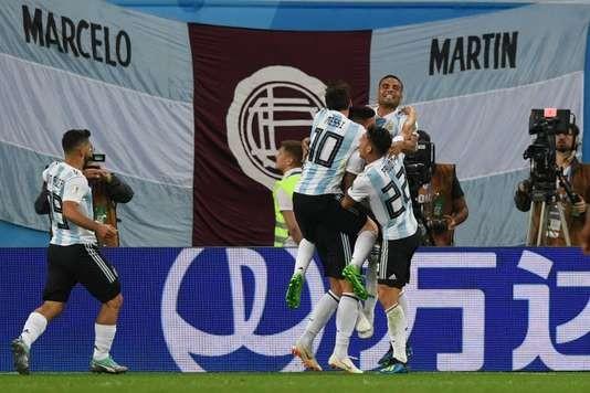 Coupe du Monde 2018: l'Argentine miraculée et qualifiée, la Croatie termine en tête - ảnh 1