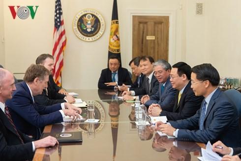 Les États-Unis et le Vietnam intensifient leurs coopérations dans le commerce et l'investissement - ảnh 1