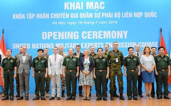 Atelier de formation pour les militaires participant aux opérations de maintien de la paix de l'ONU - ảnh 1