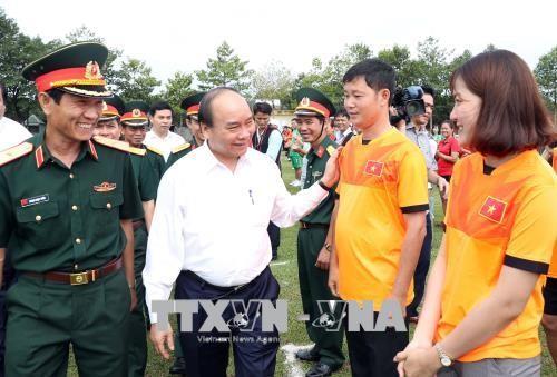 Nguyên Xuân Phuc rend visite au corps de troupe 16 à Binh Phuoc - ảnh 1