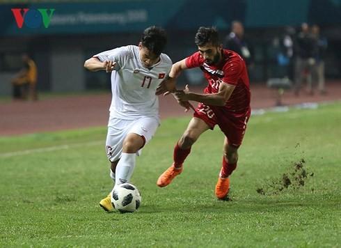 ASIAD 18: le Onze vietnamien qualifié pour la première fois en demi-finale - ảnh 1