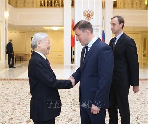 Nguyên Phu Trong rencontre des responsables des deux chambres du Parlement russe - ảnh 1