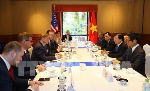 Des chefs d'entreprises américaines reçus par Trinh Dinh Dung - ảnh 1