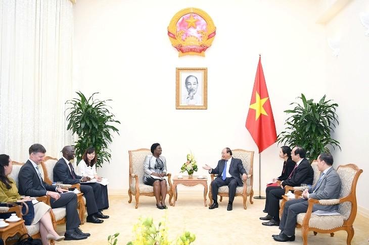 Le PM reçoit une vice-présidente de la Banque mondiale - ảnh 1