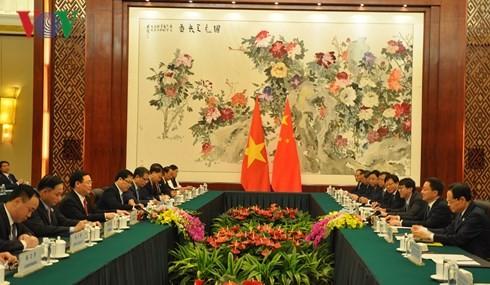 Le vice-Premier ministre Vuong Dinh Huê en Chine - ảnh 2