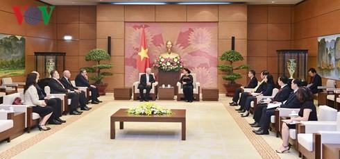 Nguyễn Thị Kim Ngân reçoit le président du Parquet suprême hongrois  - ảnh 2