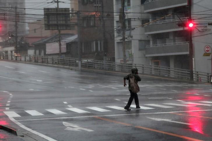 Le cœur du Japon balayé par le typhon Trami - ảnh 1